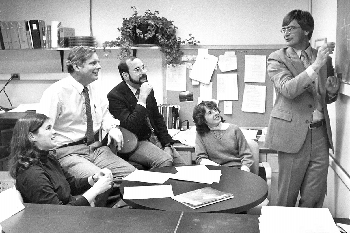 Victor Hesselbrock (right) presents to (from left) Nancy DePalma, Sean O'Connor, Alan Tasman, and Karen Syzmanski in the Alcohol Research Center's new electrophysiology lab in 1985.